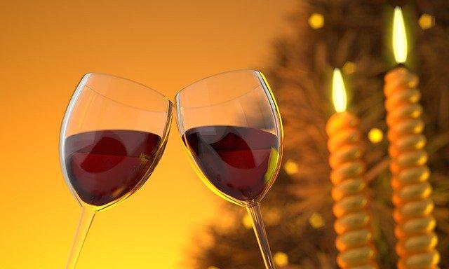 dvě skleničky vína.jpg